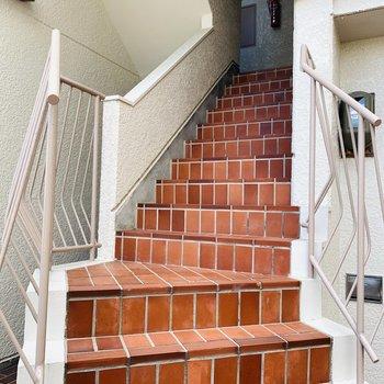 階段でさえ特別感を感じます。