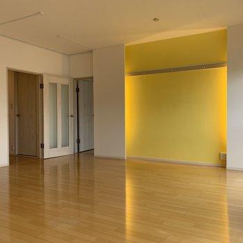 家具も現代アート風のエッジの効いたものがあいそう!