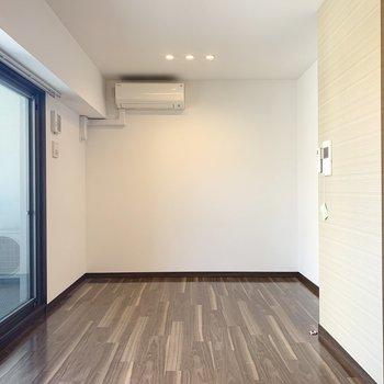 シンプルな長方形のお部屋です。