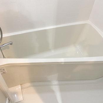 バスルームは形がちょこっと変わってる…※写真は5階の同間取り別部屋のものです