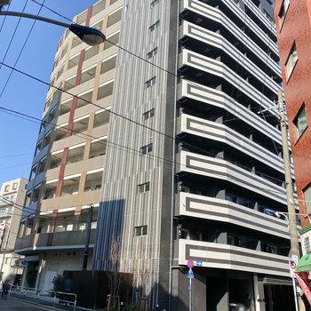 谷田川通りに面する新築のマンションです。
