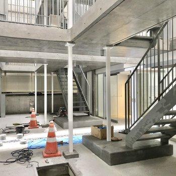 1階エントランスは工事中でした。完成が楽しみですね。