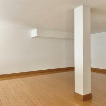 柱でいい感じに空間が区切れそうです。