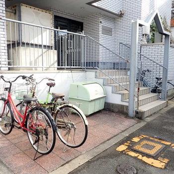 【共用部】自転車は目の前でした。