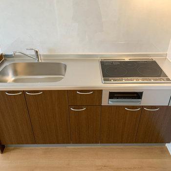 【LDK】キッチンは3口IHです。※写真は前回募集時のものです