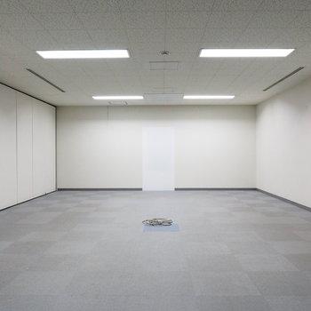 【A6】こちらが室内。自由にDIY可能!
