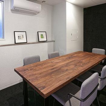 【会議室】雰囲気の良い会議室は各フロアに