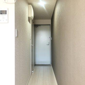 洋室から廊下へ。※写真は前回募集時のものです