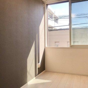 壁沿いにベットやソファでしょうか。※写真は前回募集時のものです