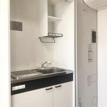 キッチンスペースです。収納もありますね。※写真は前回募集時のものです