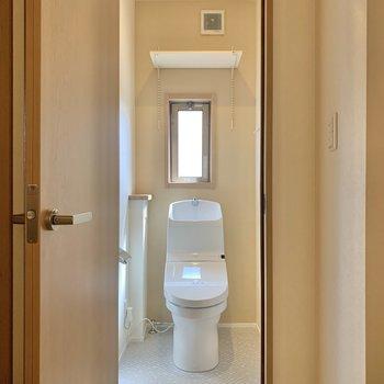 2階にもトイレがありますよ。