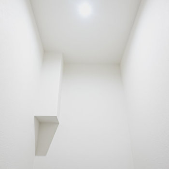 お部屋に高い天井があるってイイね◎