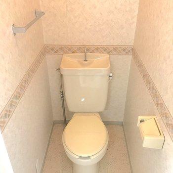 風呂・トイレ別は嬉しい。※写真は2階の同間取り別部屋のものです