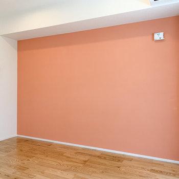 一面オレンジ色で明るい気分になりますね。