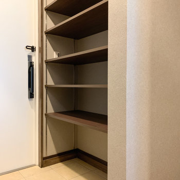 棚の高さを自由に変えられます。