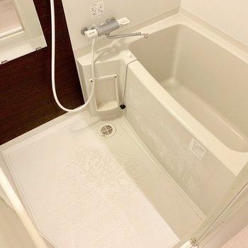 サーモ水栓で温度調節らくらく♬(※写真は清掃前のものです)