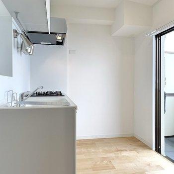 【LDK】早速キッチンを見てみましょう。※写真は前回募集時のもの