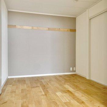 【洋室】約4.5帖のコンパクトスペース。※写真は前回募集時のもの