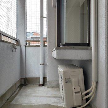 出窓のところがちょっぴり出ています。(※写真は7階の同間取り別部屋のものです)