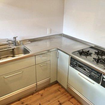 【LDK】調理スペースも広く、お料理が捗りそう。