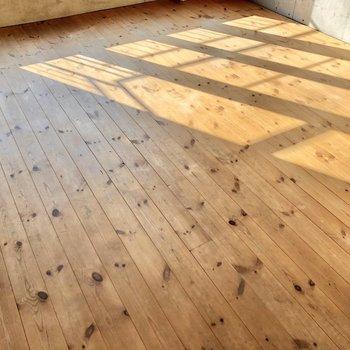 【LDK】無垢床の優しさを感じます。
