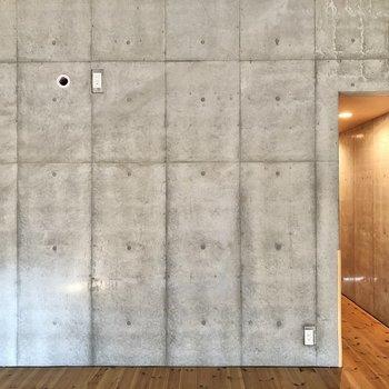 【洋室8.7帖】3Fもコンクリート打ちっぱなしの空間です。