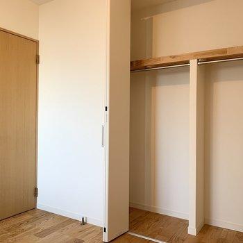 収納つきの寝室!※写真は似た間取りの別部屋です