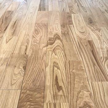 【LDK 】良い色の無垢床だ〜