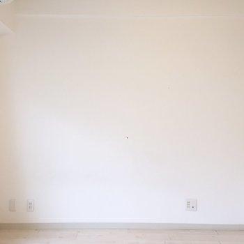 こちらにはテレビをおけますよ。※家具は残置物です