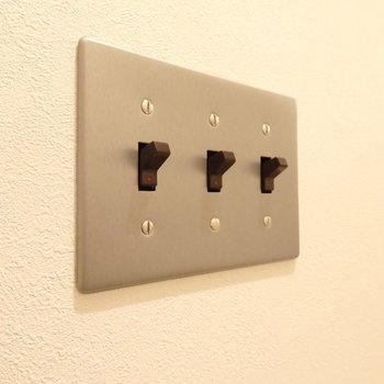 スイッチがかわいい。。(※写真は1階の反転間取りモデルルームのものです)