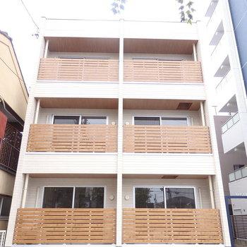 築浅の全室角部屋のマンションです。