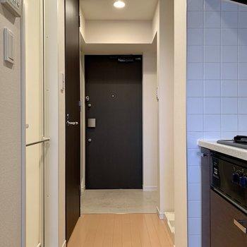 玄関は段差が少なめです※写真は14階の同間取り別部屋のものです