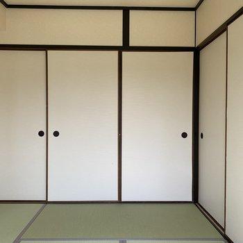 冬には、コタツを置いて日当たりのいいこの和室でゆっくりしたい