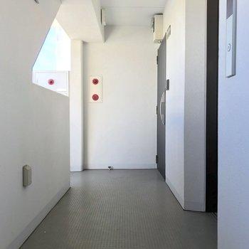 11階はこの1部屋のみなので、他の方を機にすることもありません。