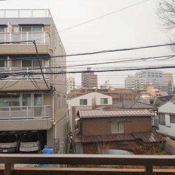閑静な住宅街の中にあります。