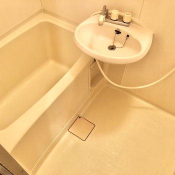 身体を洗うスペースもありますね。