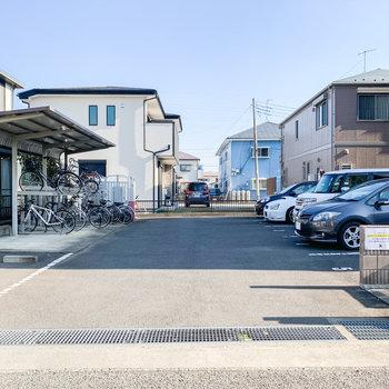 【駐車場・駐輪場・バイク置場】