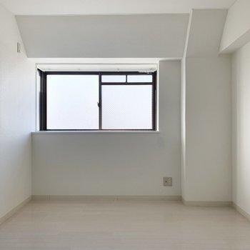 【洋6北】もうひと部屋は玄関脇に。