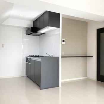 キッチンはブラックでピリッとかっこよく◎