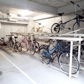 【共用部】駐輪場は建物内に