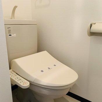 トイレはウォッシュレット付♪
