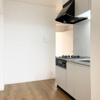キッチンはDKくらいのゆとりの空間。
