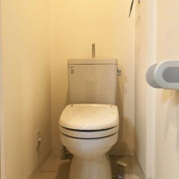 トイレにはウォシュレットがついてますよ。