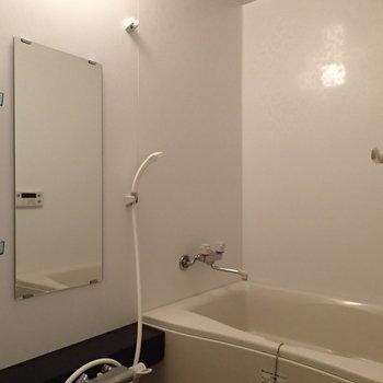 お風呂もきれいです※写真は3階の反転間取り別部屋のものです