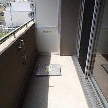 バルコニーゆったりめ※写真は3階の反転間取り別部屋のものです