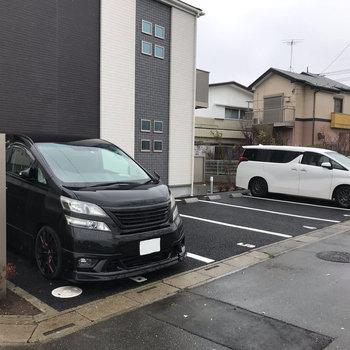 駐車場も見つけました。