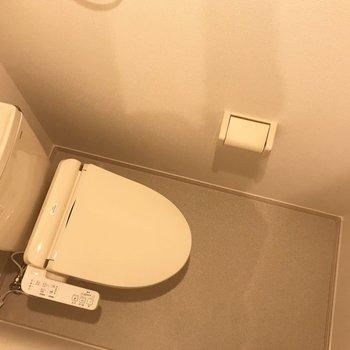 トイレはシンプルな空間です。※写真は1階の同間取り別部屋のものです