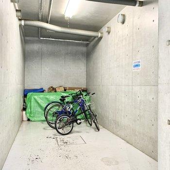 屋内駐輪場で大切な自転車も守れます。