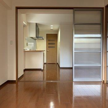 LDKと続きのお部屋はベッドを置いて寝室にしましょう!(※写真は4階の同間取り別部屋のものです)