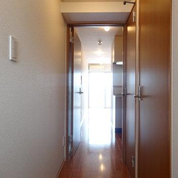 玄関からのアングルです※写真は前回募集時のものです